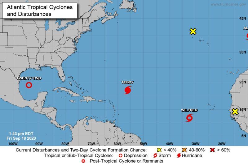 Pogodowy tłok na Altantyku (NOAA/NWS)