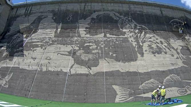 Gigantyczny mural na zaporze w Solinie. Bez farby